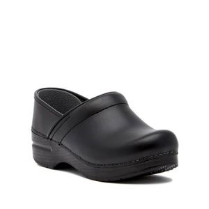 Dansko professional matte black leather clogs